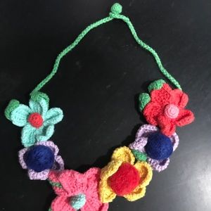 Kids Hanna crochet necklace